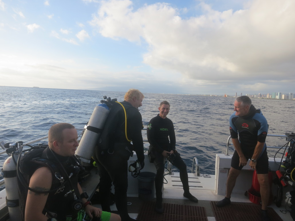 hawaii scuba university fun dive at 100ft hole island divers hawaii